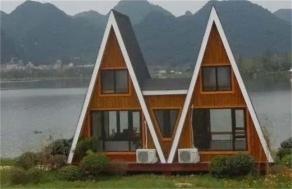 带阁楼生态木屋
