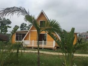 三房一厅带阁楼生态木屋